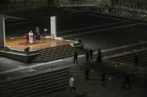 [서소문사진관]프란치스코 교황, 코로나19에 텅 빈 성베드로 광장서 '성금요일' 예식