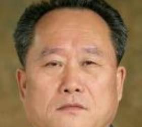 """""""냉면 목구멍"""" <!HS>이선권<!HE>, 북한 권력 핵심 국무위원 꿰찼다"""