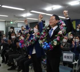 초박빙 접전 끝 승자는 허영···춘천에 진보 첫 깃발 꽂았다