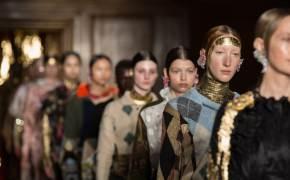 런던 패션위크도 디지털로 패션쇼…남녀 컬렉션 구별도 없앤다