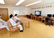 김정은 위중설 의식했나···이례적 심혈관 수술 실력 과시한 北