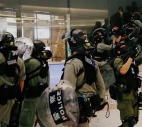 """코로나 잦아들자 <!HS>홍콩<!HE> <!HS>시위<!HE> 다시 시작됐다 ... 경찰<!HS>,<!HE> """"250명 이상 구금"""""""