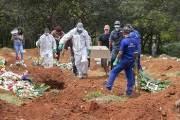 브라질 하루새 1179명 숨졌다…코로나 사령탑 공백의 비극