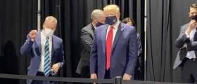 '마스크 쓴 트럼프' 드디어 카메라 포착, 공식 석상에선 여전히 'NO MASK!'