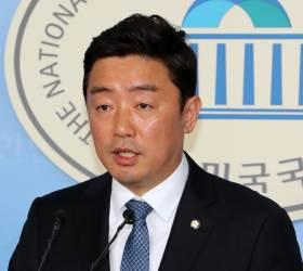 """민주당 """"새 '<!HS>노무현<!HE> 정신' 이어받아 공정·정의로운 나라 만들 것"""""""