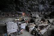 中 마지막 동굴 마을, 그들은 왜 어둠을 고집할까