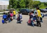 시간제 일방통행, 워킹스쿨<!HS>버스<!HE>…등굣길 '안전'지키기 나선 구청들의 아이디어