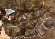 화살머리고지서 발굴된 유해…그의 아들이 66년만에 대신 받은 훈장