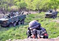 드론이 표적 찾고 타격···10년 후 첨단전투, 보병은 걷지 않는다