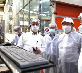 <!HS>신동빈<!HE>, 코로나 속 첫 생산현장 방문…특히 관심보인 '이것'은