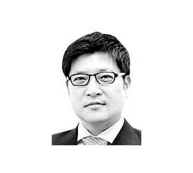 [글로벌 아이] 감나무 밑에서 입 벌리는 정치