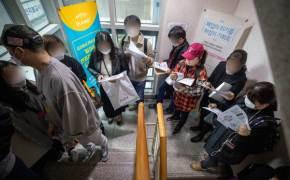 '코로나19 위기' 근로자 퇴직연금 담보대출 받는다…햇살론도 개방