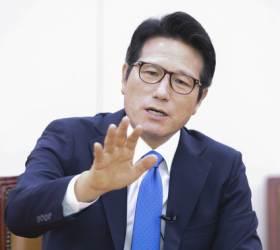 """이승만·<!HS>박정희<!HE>·YS 사진 떼자고? """"민주당 2중대"""" 통합당 내분"""