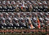 [한컷플러스+] 전승기념 퍼레이드 나선 러시아 병사들, 코로나 괜찮을까