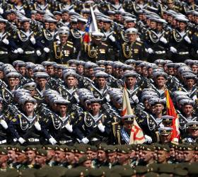 [<!HS>한컷플러스<!HE>+] 전승기념 퍼레이드 나선 러시아 병사들, 코로나 괜찮을까