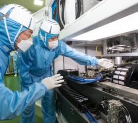 한국형 반도체 소재ㆍ설비 개발 속속 성공…'K칩' 생태계 확장나서는 <!HS>삼성전자<!HE>