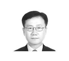 [<!HS>노트북을<!HE> <!HS>열며<!HE>] 정권이 결정하는 검찰총장 권한