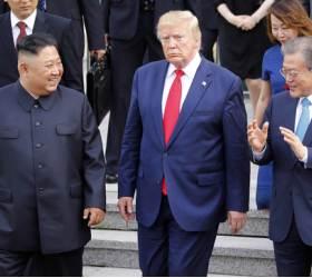 그날은 놓친 '<!HS>트럼프<!HE> 표정'···기대와 달랐던 남·북·미 회동 1년