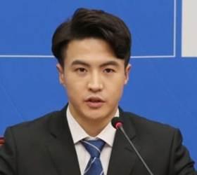 "<!HS>민주당<!HE> 오영환 ""코로나19 확진자와 악수""…국회 비상"