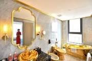 '방역 모범국' 베트남의 자신감···황금 1톤 초호화 호텔 등장