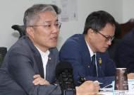 """최강욱 """"다른 글 옮겼을 뿐"""" 진중권 """"제2 국정농단 사건"""""""