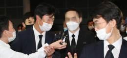 """상복 입고 빈소 찾은 박원순 아들 """"최근 언제 연락했나"""" 질문엔 침묵"""