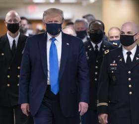 [<!HS>서소문사진관<!HE>]코로나 19보다 무서운 지지율 추락...마스크 거부하던 트럼프 결국 착용