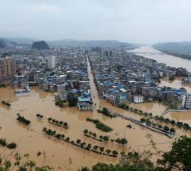 물에 잠긴 <!HS>중국<!HE> '역대급 피해'···폭우로 <!HS>경제<!HE>손실 14조 넘었다