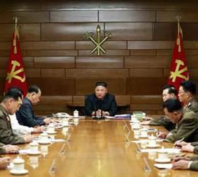 <!HS>트럼프<!HE> '주한미군 감축' 꺼내자, <!HS>김정은<!HE> 북한판 NSC 열었다