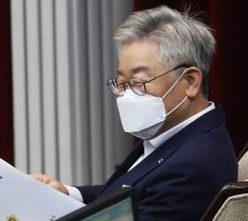 [단독] 한총련 의장·삼성맨·기자…이재명 옆엔 선거 전문가들