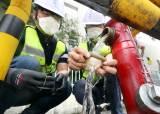 전국 덮친 '애벌레 수돗물 공포'···샤워필터 주문 폭발했다