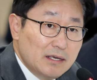 """""""이상한 억양"""" 한마디가 화불렀다···윤희숙 때린 박범계 역풍"""