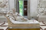나폴레옹 여동생 날벼락···박물관 셀카족탓에 발가락 부러졌다