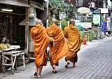 """[백성호의 현문우답] """"부처님도 육식하다 식중독 걸렸다"""" 고기 먹는 스님의 항변"""