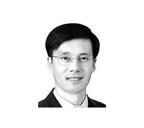 [시론] 일본의 '소부장 때리기' 1년, 독립의 길 아직 멀었다