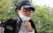 조영남, '그림 대작' 사건 딛고 8월에 전시 연다