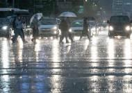남부서 시작해 전국 또 폭우…내일까지 최대 300㎜ 쏟아진다