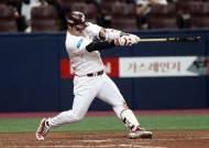 키움 박병호 타율 부진 속 '7년 연속 20홈런'…이승엽 기록 깰까