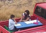 발달장애아 직접 찾아다닌다···'트럭 교실' 모는 멕시코 참스승