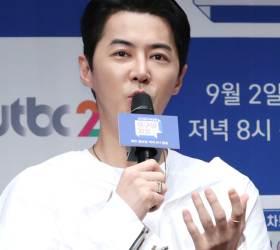 1세대 아이돌 신화 전진, 9월 13일 승무원 여친과 <!HS>웨딩<!HE>마치