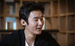 """""""구질구질한 삶 인정하는게 어른"""" 항암치료 뒤 복귀한 허지웅"""