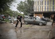'다만악' 황정민, 태국 마을 폭우에 직접 물 퍼낸 이유