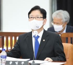 """통일부 """"'<!HS>대북제재<!HE> 기업' 개성고려인삼과 물물교환 사업 철회"""""""