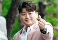 폭행·병역·도박 논란 김호중, 내달 10일 육군훈련소 입소