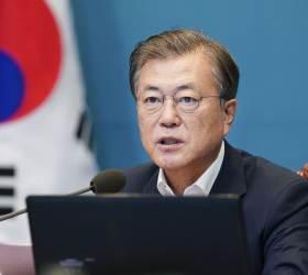 <!HS>문재인<!HE> 대통령, 9월 '독서의 달' 맞아 책 4권 추천