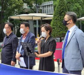 """사랑제일교회측 """"'<!HS>문재인<!HE> 코로나' 피해 소송 변호인단 되겠다"""""""