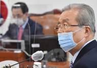 """김종인 겨냥 """"답정너""""…기업규제법·당색 계기로 폭발하는 野"""