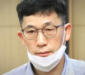 """진중권 """"文 '<!HS>세월호<!HE> 방명록' 정서와 한 치도 달라진 게 없다"""""""
