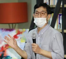 """진중권 """"<!HS>남북관계<!HE>보다 국민생명 중요…文 뭘 했는지 따져야"""""""