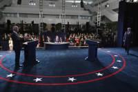 """트럼프 """"바이든, 낮은 학점 멍청""""…美대선 토론 위기의 순간 셋"""